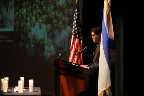 Elan Bielski, grandson of one of the partisan Bielski Brothers, addresses Yom HaShoah commemoration on Sunday, April 27 (Photo: Aaron Truax, Jewish Federation of San Diego County)